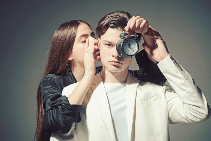 男人和妇女 头发和skincare r 在爱的时尚夫妇 友谊联系 家庭结合 免版税库存照片