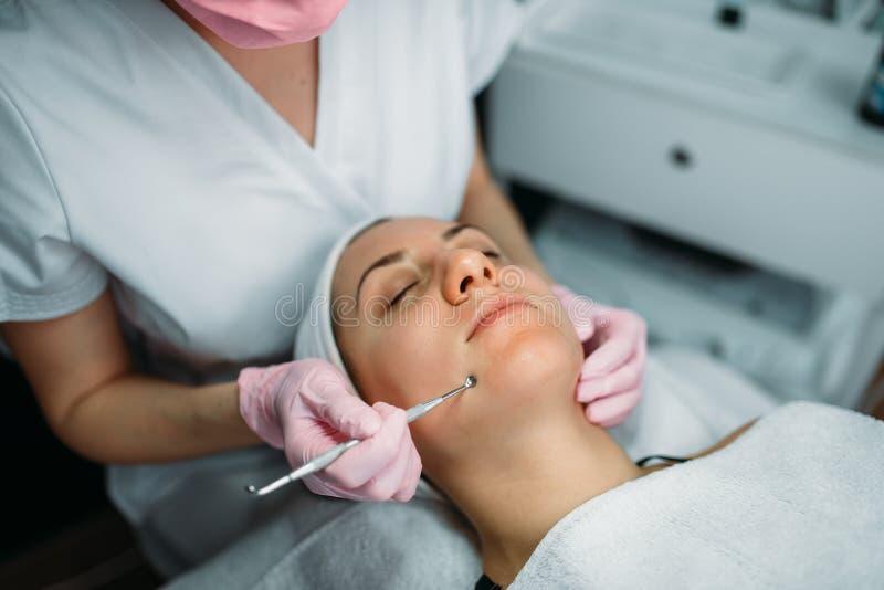 Skincare facial profesional, gabinete de la cosmetología fotografía de archivo libre de regalías