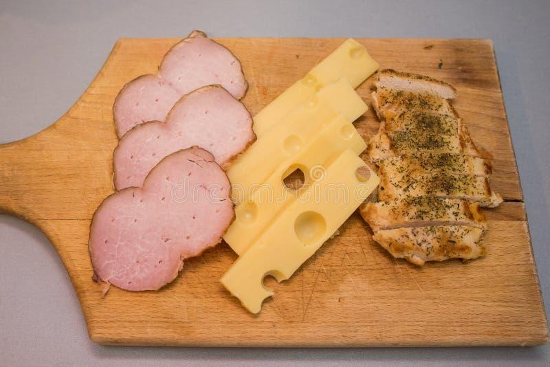 Skinka- och ostfrukost royaltyfri fotografi