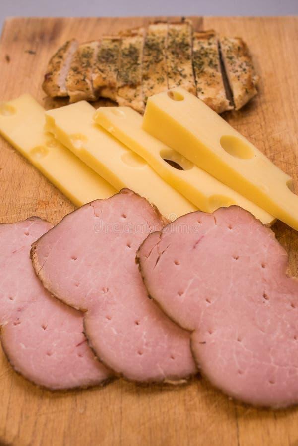 Skinka- och ostfrukost royaltyfri bild
