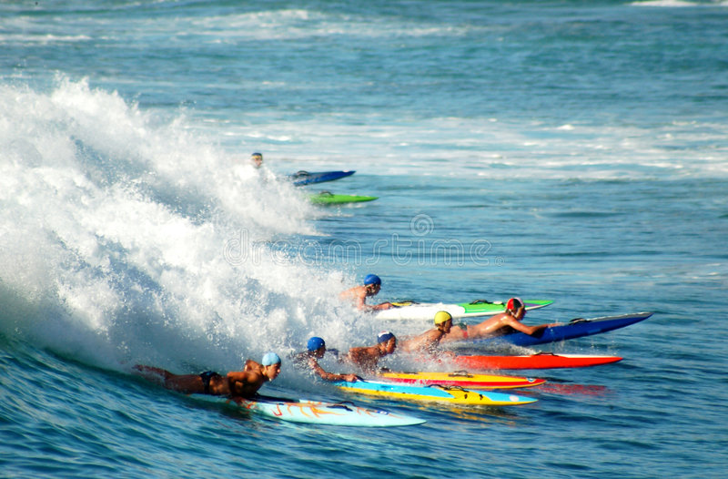 Skis de vague déferlante image stock