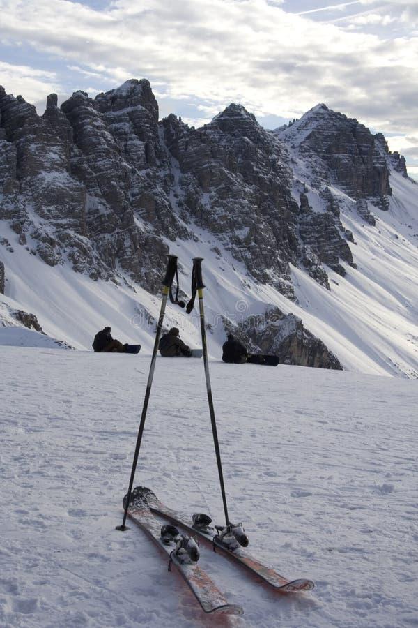 Skis en polen royalty-vrije stock afbeelding
