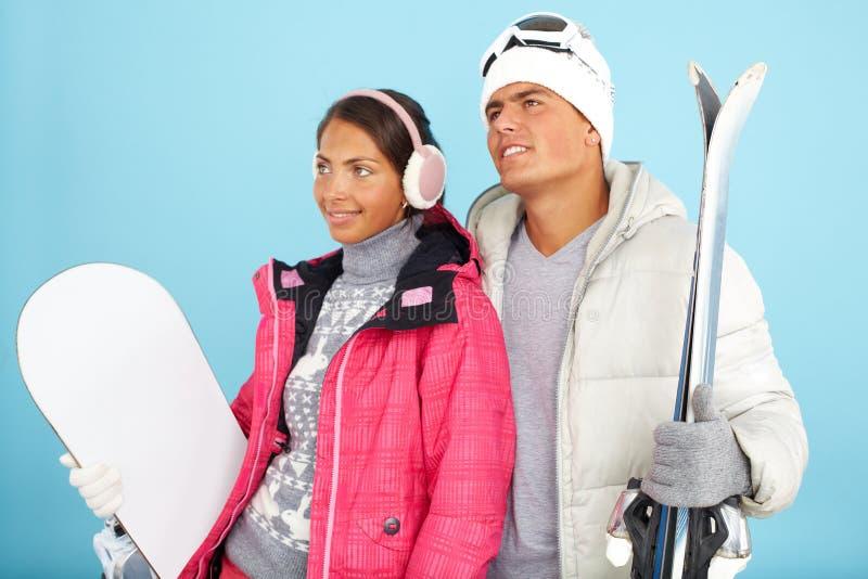 Skispuren im Schnee stockfotografie