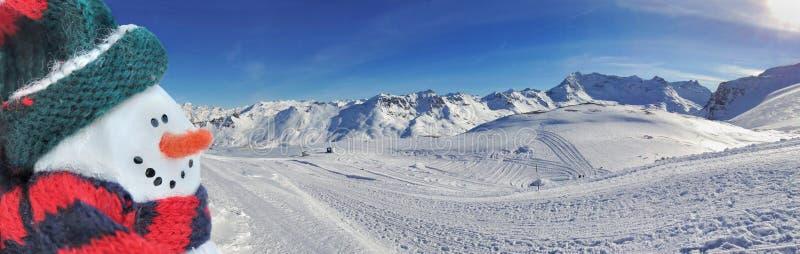 Skispuren im Schnee lizenzfreies stockbild