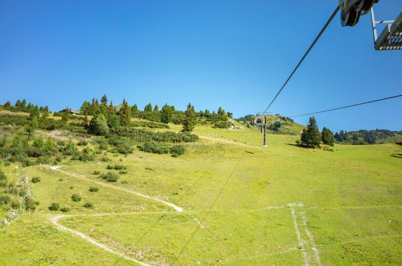 Skistation im Sommer lizenzfreies stockfoto