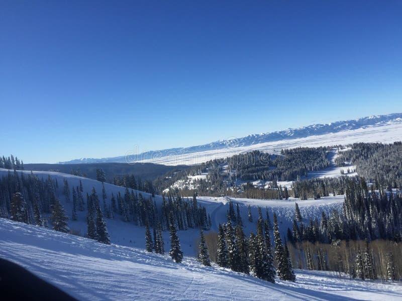 Skisteigung und -Sesselbahn in Wyoming stockfoto