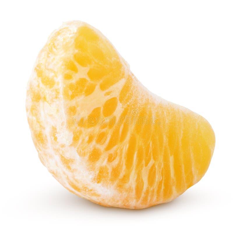 Skiva av mandarinfrukt (tangerin) som isoleras på vit royaltyfri bild