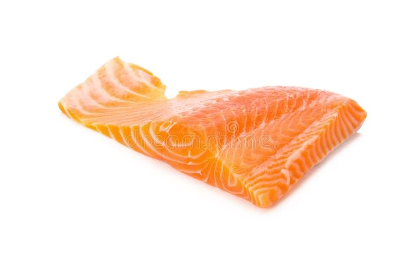 Skiva för nytt kött för laxfisk som isoleras på vit bakgrund royaltyfri bild