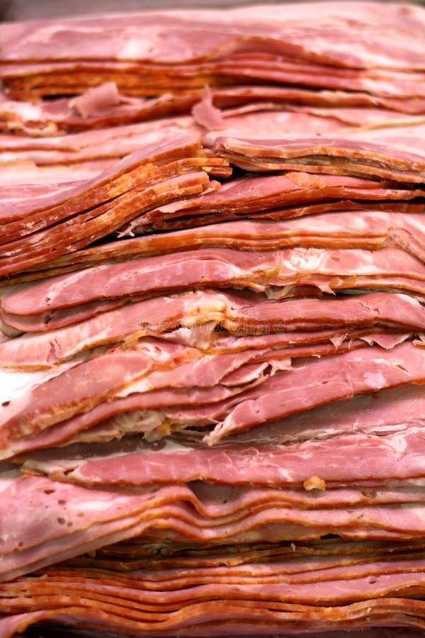 skivad bacon arkivfoto