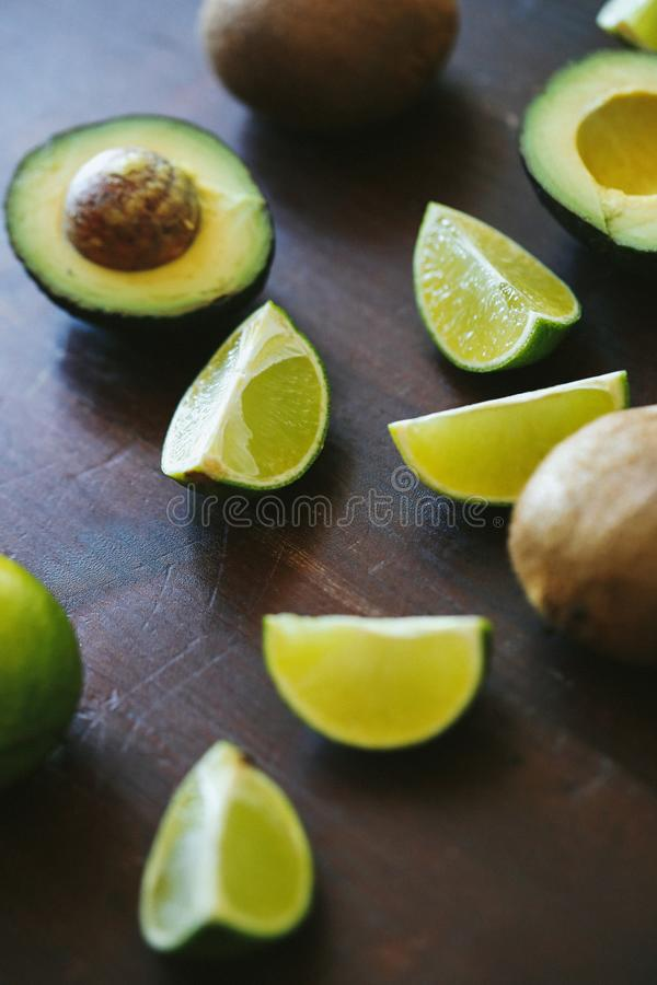 skivad limefrukt arkivfoto
