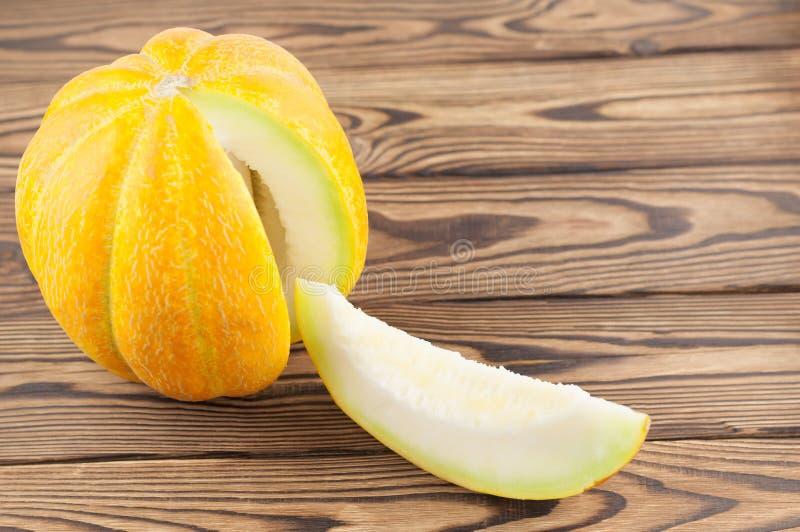 Skivad ny mogen smaskig melon royaltyfria foton