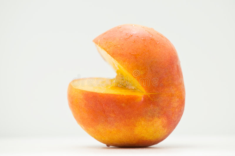 skivad sommar för persika från sidan royaltyfri fotografi