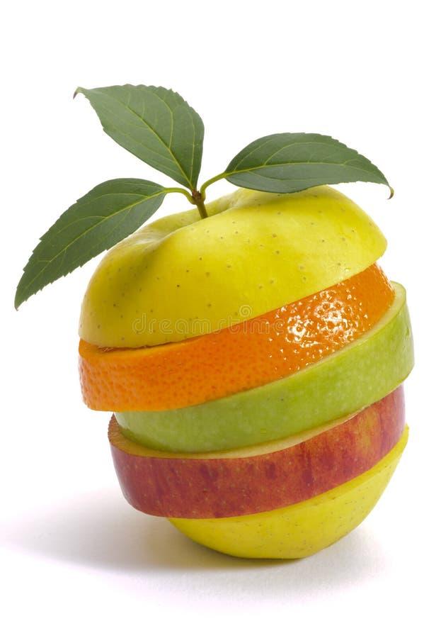 Skivade nya blandade frukter fotografering för bildbyråer