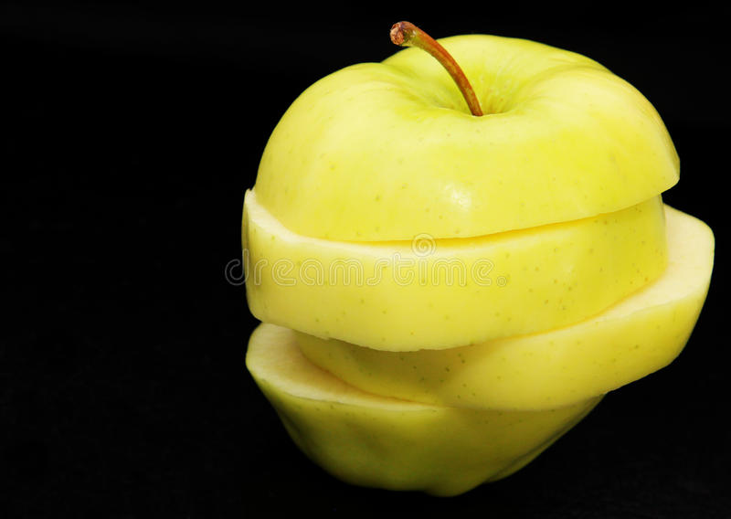 skivat äpple arkivbild
