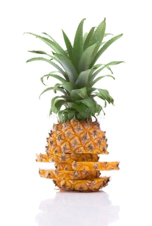 skivat moget för ananas royaltyfri bild