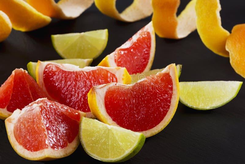 Skivor av citrusfrukter arkivfoto