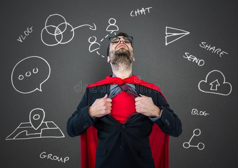 Skjortan för öppningen för superheroen för affärsmannen mot den gråa väggen med den vita affären klottrar royaltyfri illustrationer