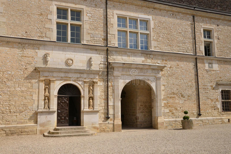 Skjul D eller, den pittoreska slotten av Le Clos de Vougeot i Bourg arkivfoton