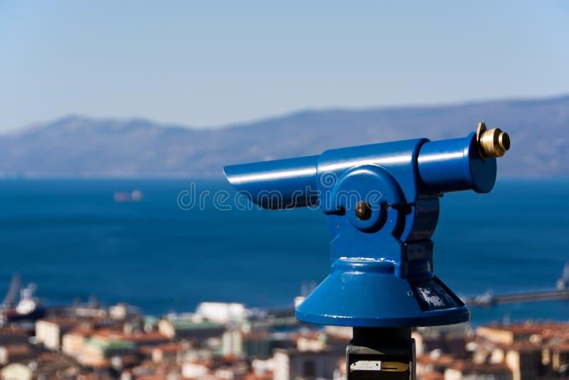 Skjuta ihop för att observera panorama fotografering för bildbyråer