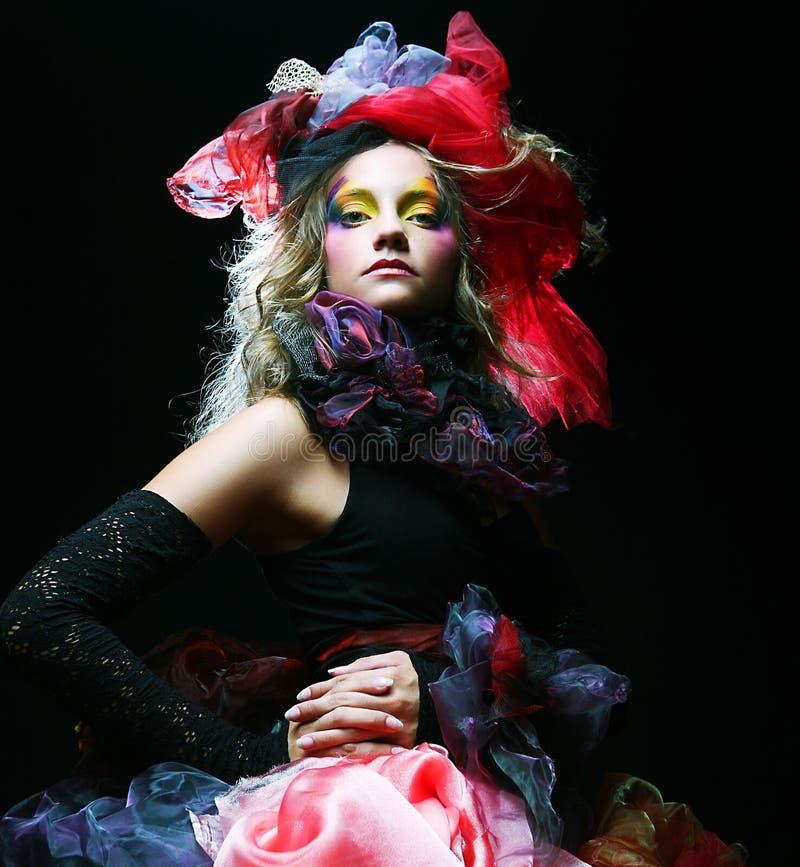 skjuten stilkvinna f?r docka mode royaltyfri fotografi