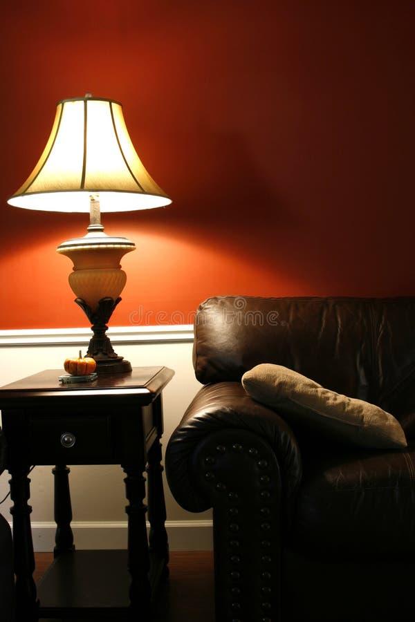 skjuten vertical för soffa lampa arkivfoto
