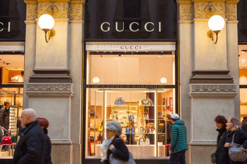 Sklepowi okno Gucci sklep zdjęcia stock