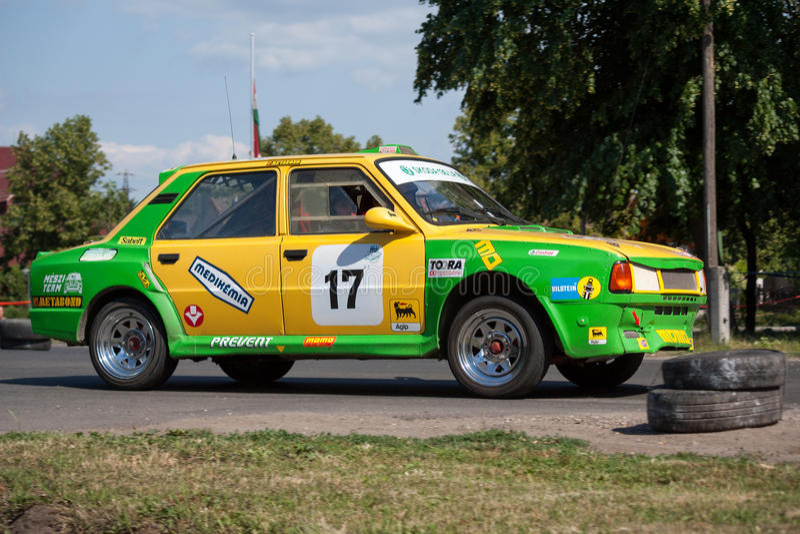 Skoda 130 LR вновь собирается гоночный автомобиль стоковое фото rf