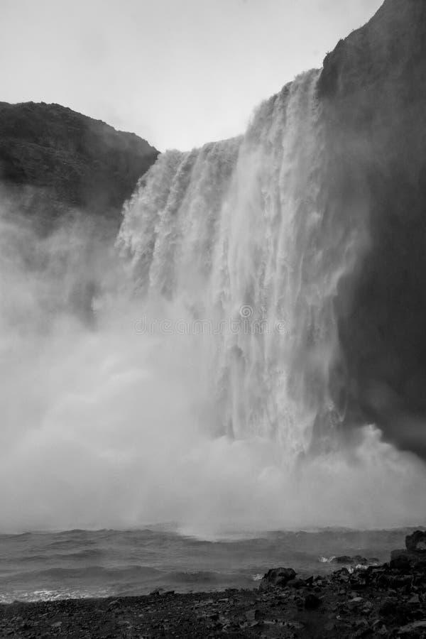 Skogafoss vattenfall, södra Island arkivfoton