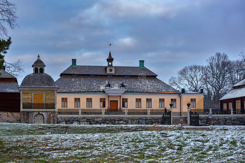 Skogaholms herrgårdSkogaholms herrgard, nobelt en familjs landsgods som skapas på nytt på det frilufts- museet Skansen lampetten, royaltyfria foton