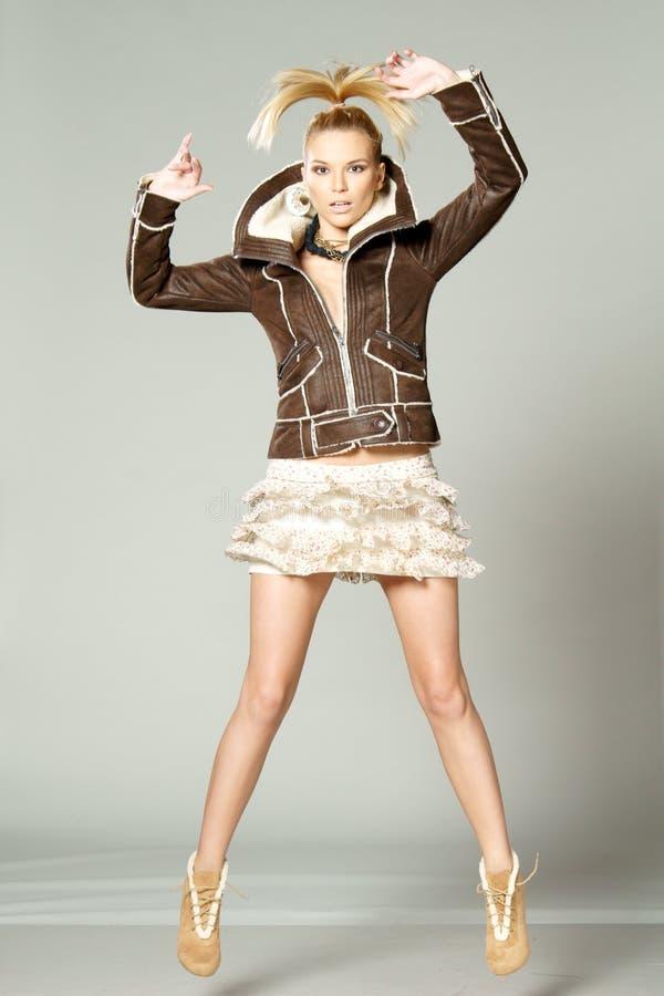 skokowa mody kobieta zdjęcia royalty free