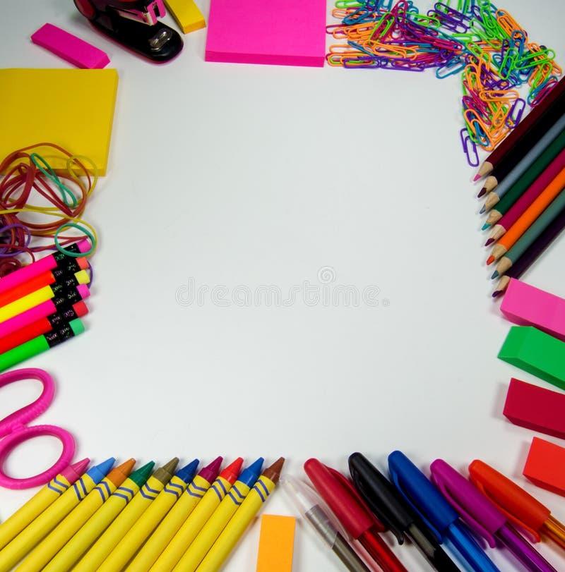 Skola- och kontorstillförselram fotografering för bildbyråer
