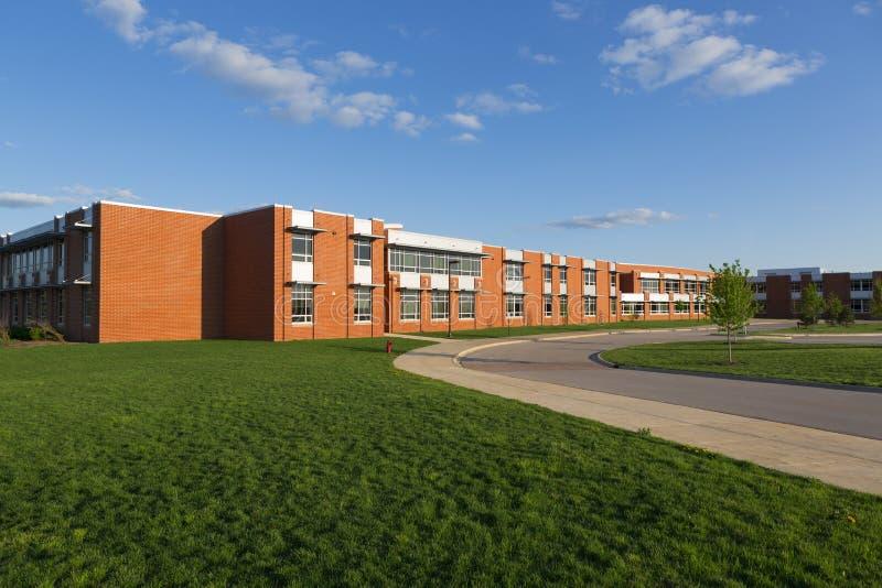 Skolabyggnad royaltyfri foto