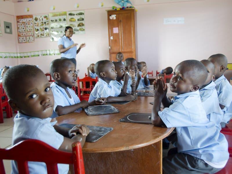 Skolbarn i Haiti royaltyfri fotografi