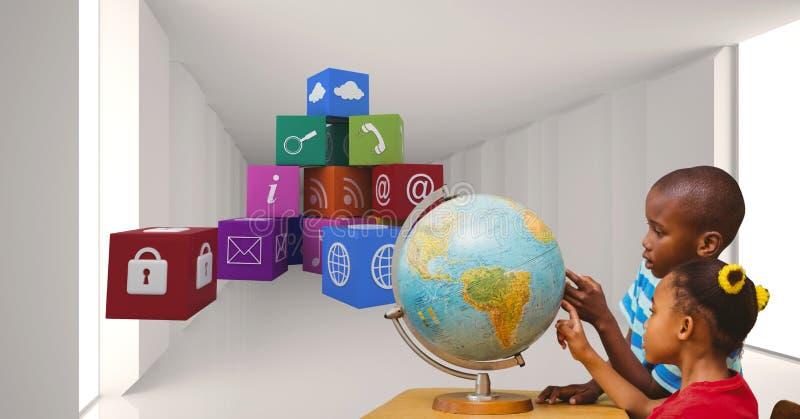 Skolbarn som undersöker jordklotet vid applikationsymboler royaltyfri foto
