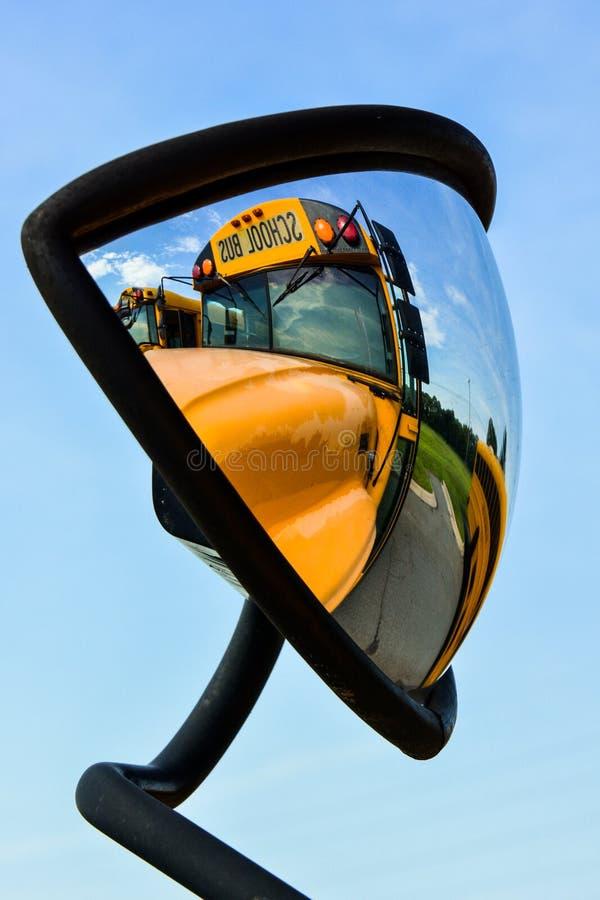 Skolbussreflexioner arkivbilder