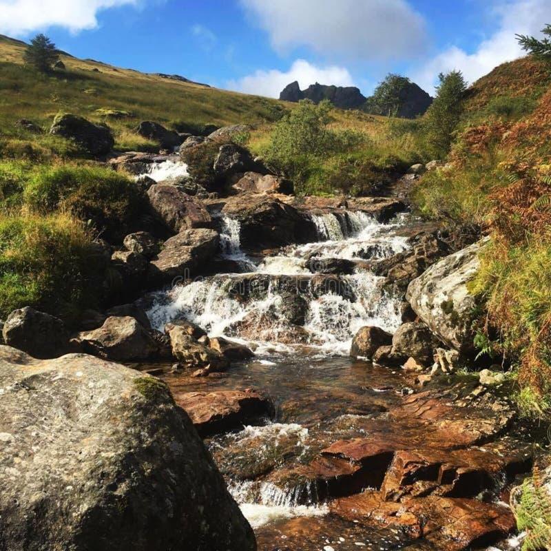 Skomakaren Mountain Waterfall arkivfoton