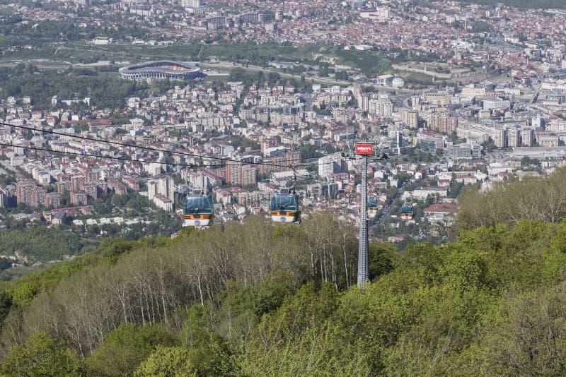 SKOPJE, MACEDONIË - APRIL16, 2016: Luchtmening van kabelwagen op V royalty-vrije stock foto