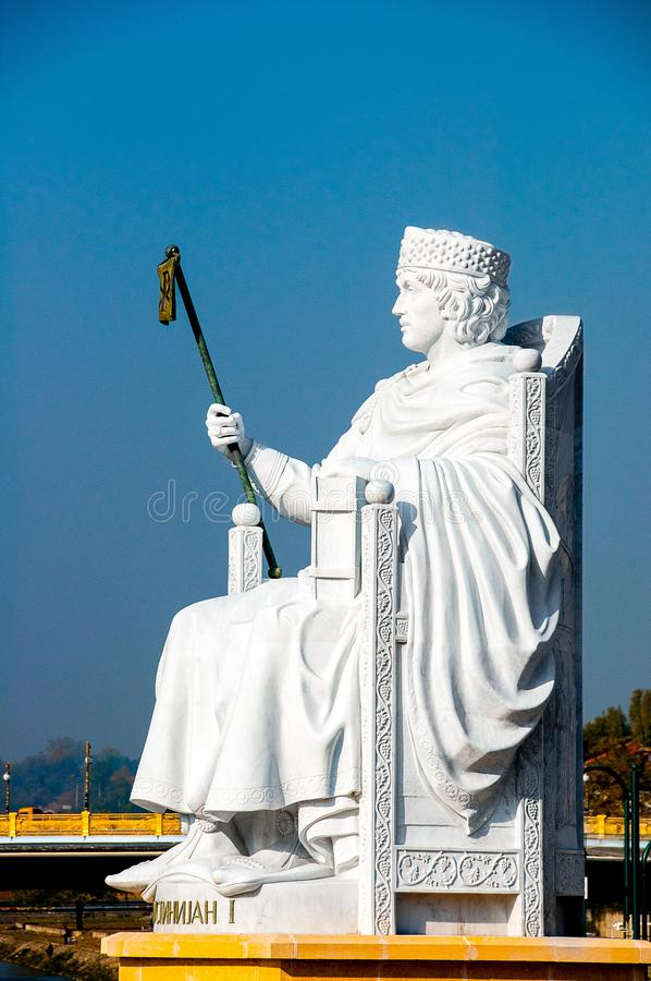 Skopje Macedonia, Listopad, - 2011 Statua Justinian Pierwszy zdjęcie royalty free