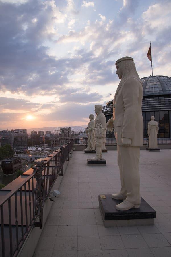 SKOPJE MAKEDONIEN - MARS 9,2015: Alexander den stora statyn i centrum av Skopje, Makedonien arkivbilder