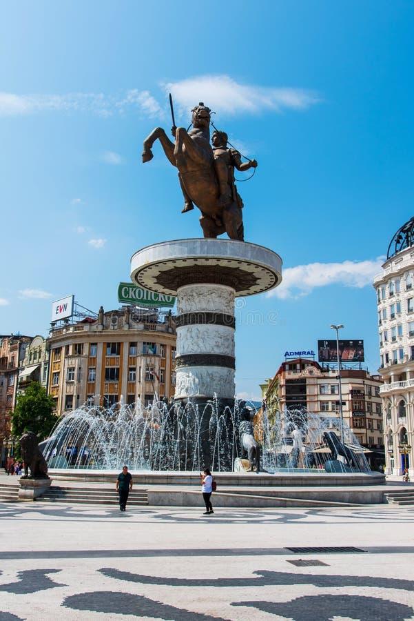 Skopje, Mazedonien - 26. August 2017: Hauptplatz in Skopje, Hauptstadt von Mazedonien mit Alexander das große Monument stockbilder