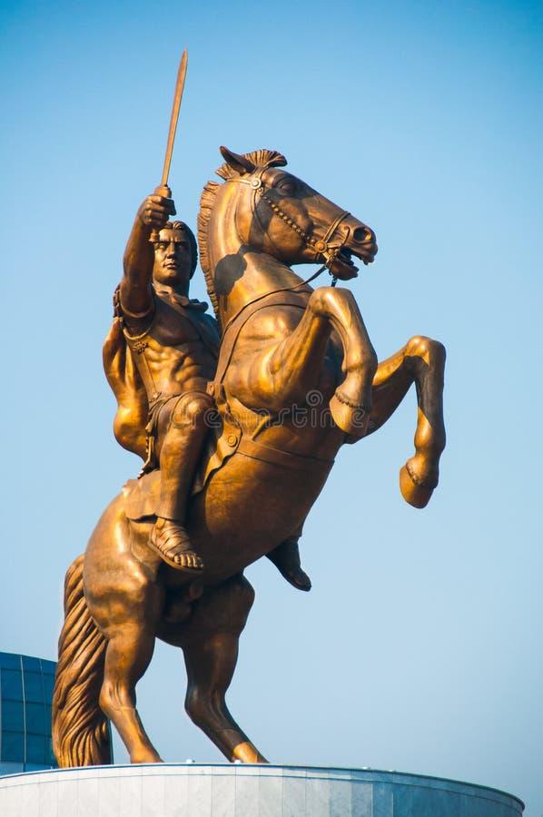 Skopje, Mazedonien - November 2011 Monument zu Alexander das große - ein Krieger zu Pferd stockbilder