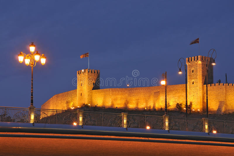 Skopje-Nachtszene stockfotos