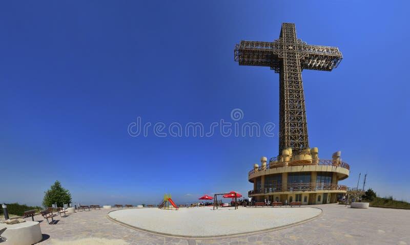 Skopje, panorama dell'incrocio di millennio, il più grande nel mondo immagine stock