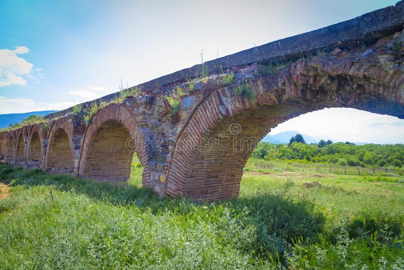 Skopjeaquaduct, Noord-Macedonië royalty-vrije stock foto