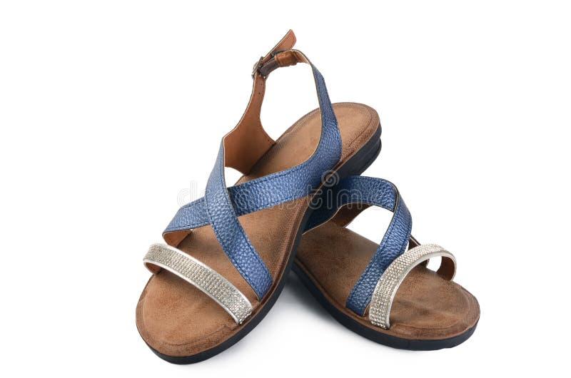 Skor för sommar för kvinna` som s isoleras på vit bakgrund royaltyfria bilder