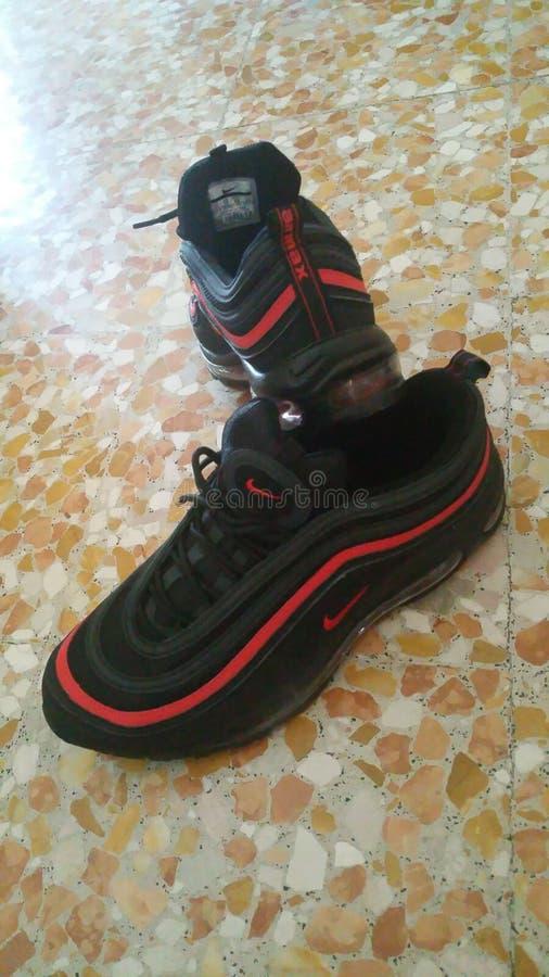 Skor Nike Black Silver royaltyfria foton