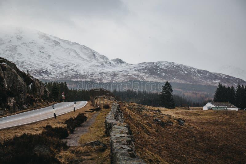 Skotsk Skotska högländerna nära Fort William, Skottland fotografering för bildbyråer