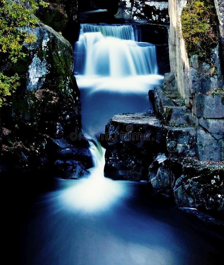 skotsk vattenfall royaltyfri fotografi