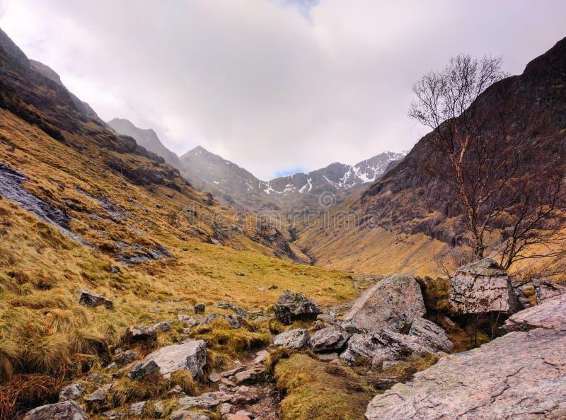 Skotska högländerna i Skottland royaltyfria bilder