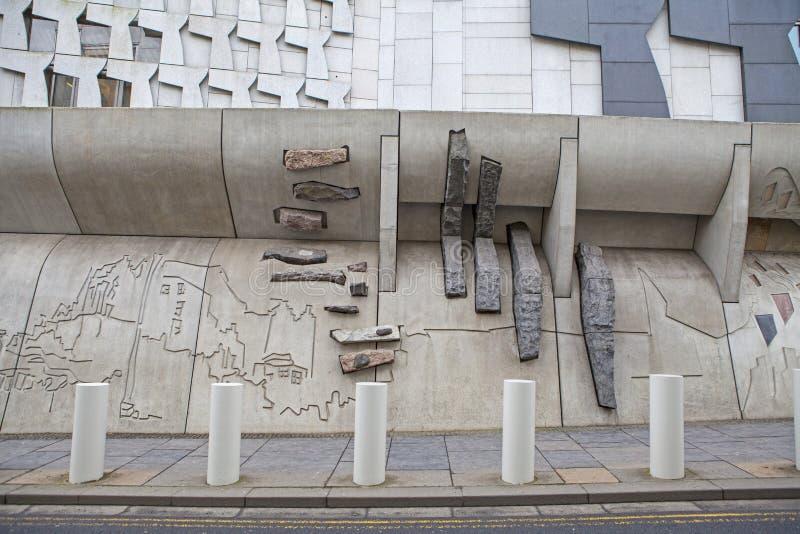 Skotska parlamentetbyggnad i Edinburg arkivbilder